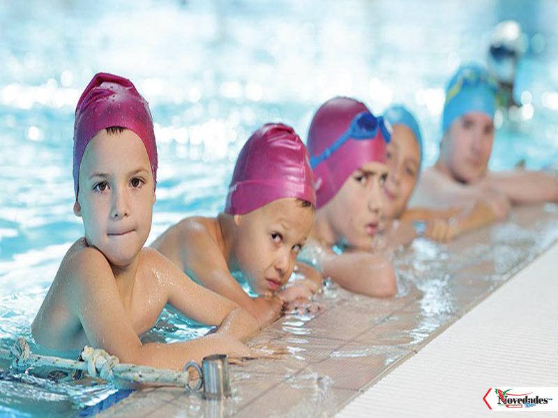 ninos-natacion