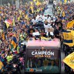 Tigres desfile campeon1