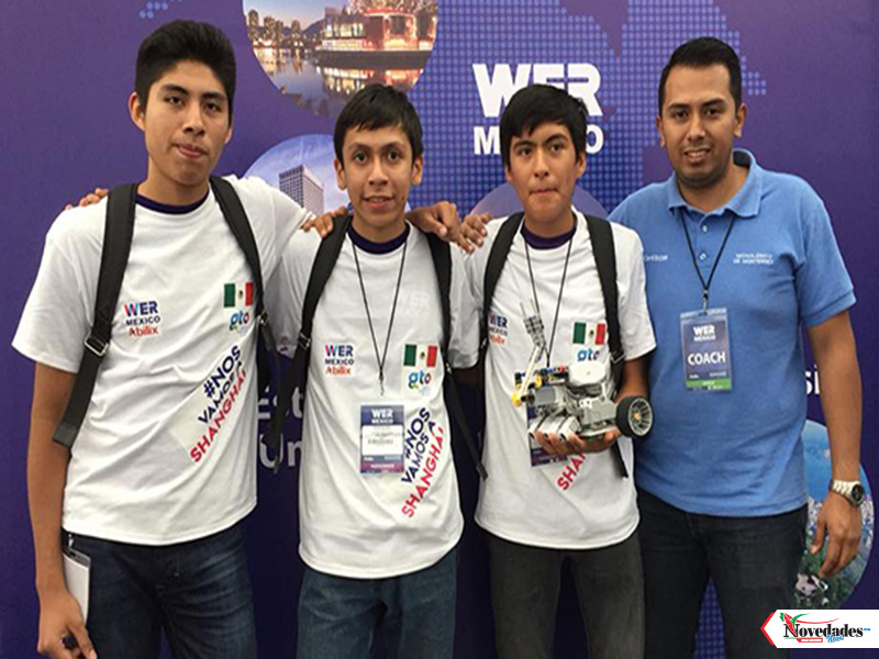estudiantes prepa robotica