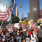 23 octubrenovedadesnews com MARCHA HISPANOS TRUMP DALLAS
