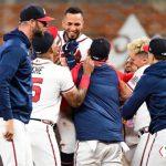 Braves gana segundo juego de la Serie de Campeonato ante los Dodgers